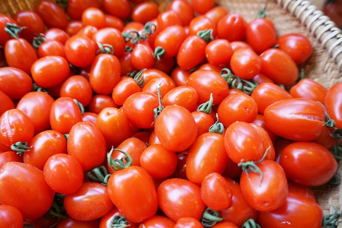 Nguyên liệu sử dụng cho các thức uống tại quán đều có nguồn gốc xuất xứ rõ ràng. Các loại rau được trồng trực tiếp tại trang trại phía sau quán, đảm bảo vệ sinh và an toàn cho sức khỏe.