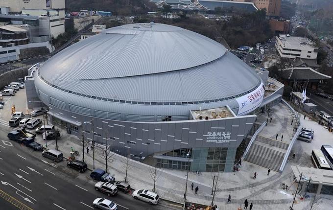 Live concert đầu tiên của Mỹ Tâm tại Hàn Quốc mang tên Mối tình đầu Mỹ Tâm – 1st diễn ra vào hai khung giờ 16h và 20h ngày 15/9 tại sân vận động Jangchung ở Dongdaemun Hàn Quốc với quy mô dự kiến lên tới 8.000 khán giả.