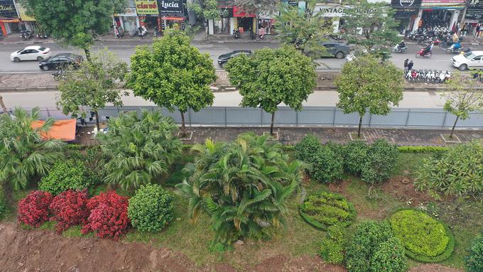 Lãnh đạo Sở Xây dựng cho biết, với dự án này, thành phố yêu cầu cao hơn về quy hoạch cảnh quan kiến trúc. Cây xanh được trồng mới trên tuyến phải đẹp như hệ thống cây ở đường Võ Chí Công – Võ Nguyên Giáp; đại lộ Thăng Long đoạn trước Trung tâm hội nghị quốc gia.