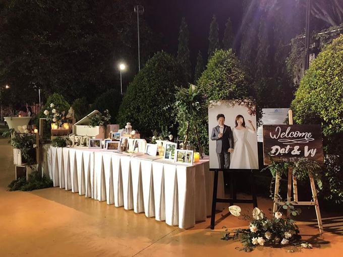 Khu vực đón tiếp khách mời tại tiệc cưới. Ảnh: Ngoisao.net