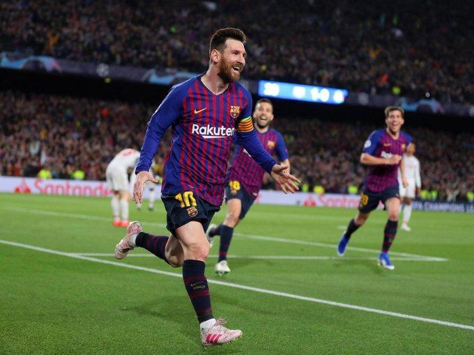 Messi đạt phong độ cao vẫn thất bại trước Pique.