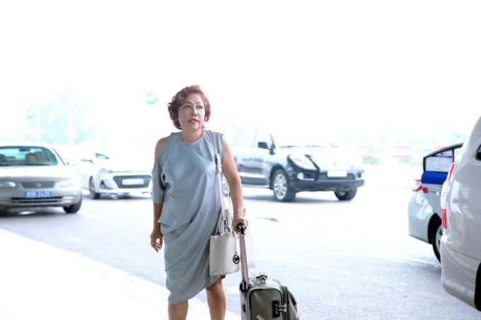 Siu Black được người hâm mộ phát hiện ở sân bay vừa qua