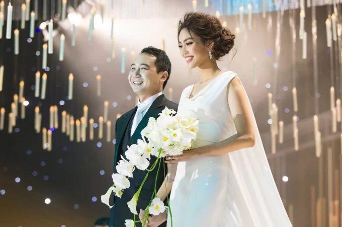 Những mỹ nhân Việt trở thành con dâu gia đình danh gia vọng tộc khiến nhiều người mơ ước ảnh 6