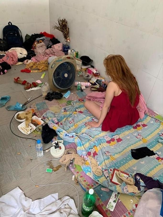 Khó tin đây là phòng của một người con gái.