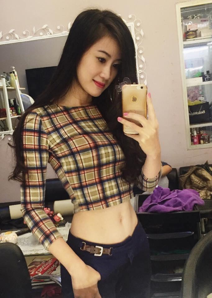 Mặc dù đã có 1 đứa con gái, nhưng Trang Nga vẫn giữ được dáng vóc khá ấn tượng