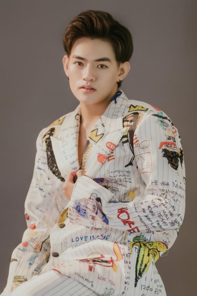 Được biết ngay từ ban đầu, khi phần nhạc phim được Tăng Nhật Tuệ phụ trách thực hiện, anh đã lựa chọn Tino là ca sĩ hát bản Demo gửi đến nhà sản xuất.