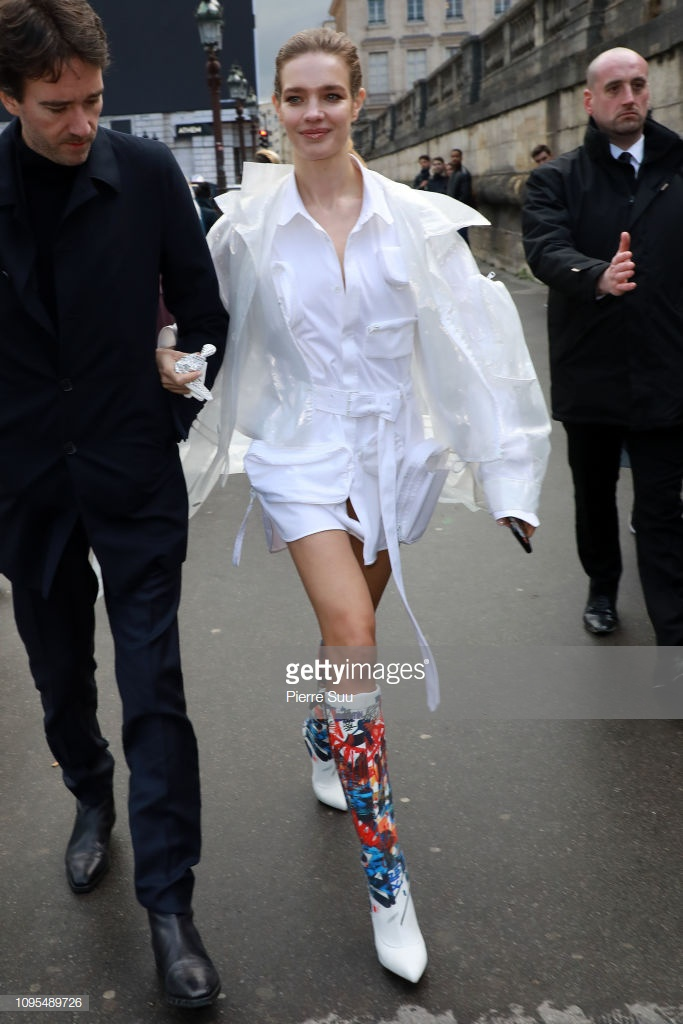 Ngô Diệc Phàm đọ vẻ ngoài soái ca với chàng thơ Timothee Chalamet tạiTuầnlễ thời trang nam Paris 2019 ảnh 14