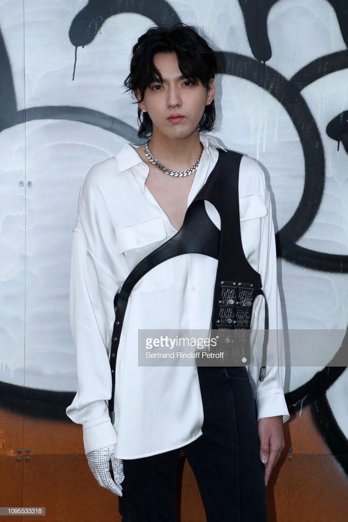 Ngô Diệc Phàm đọ vẻ ngoài soái ca với chàng thơ Timothee Chalamet tạiTuầnlễ thời trang nam Paris 2019 ảnh 5