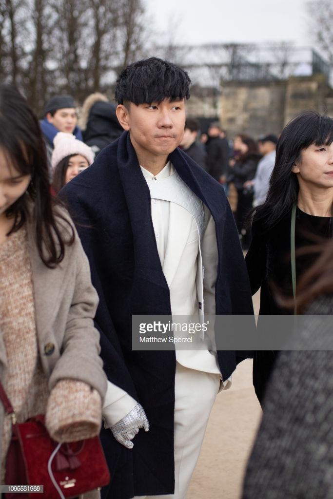 Ngô Diệc Phàm đọ vẻ ngoài soái ca với chàng thơ Timothee Chalamet tạiTuầnlễ thời trang nam Paris 2019 ảnh 17