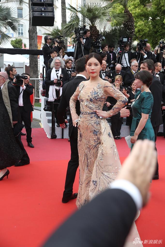 Thảm họa thảm đỏ đến từ Trung Quốc liên tục xuất hiện tại LHP Cannes 2019 ảnh 5