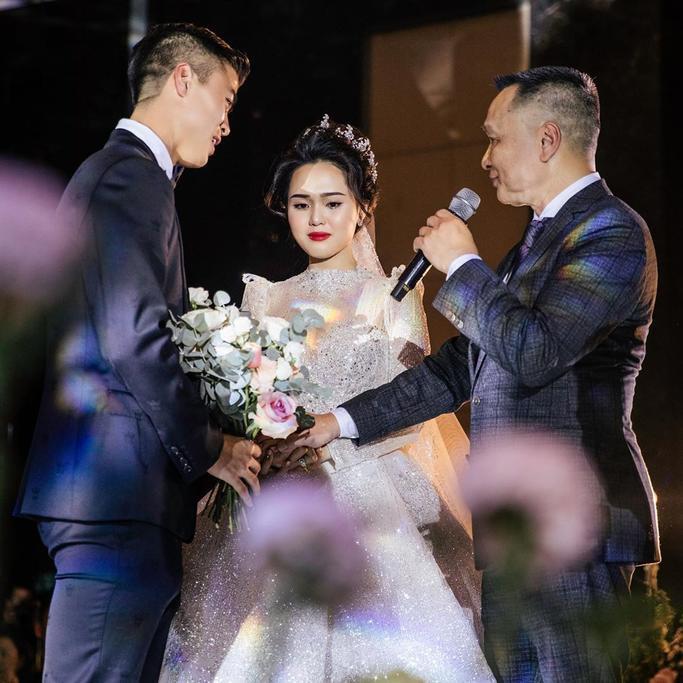Đám cưới của Duy Mạnh và Quỳnh Anh diễn ra vào ngày 9/2 được ví như cổ tích. (Ảnh FBNV)