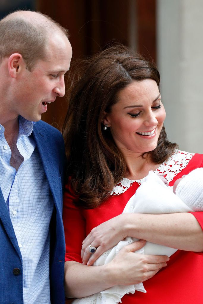 Ý nghĩa sâu xa đằng sau 17 lựa chọn thời trang nổi tiếng của Hoàng gia ảnh 14