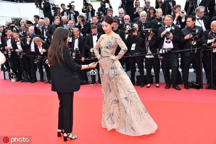 Thảm họa thảm đỏ đến từ Trung Quốc liên tục xuất hiện tại LHP Cannes 2019 ảnh 1