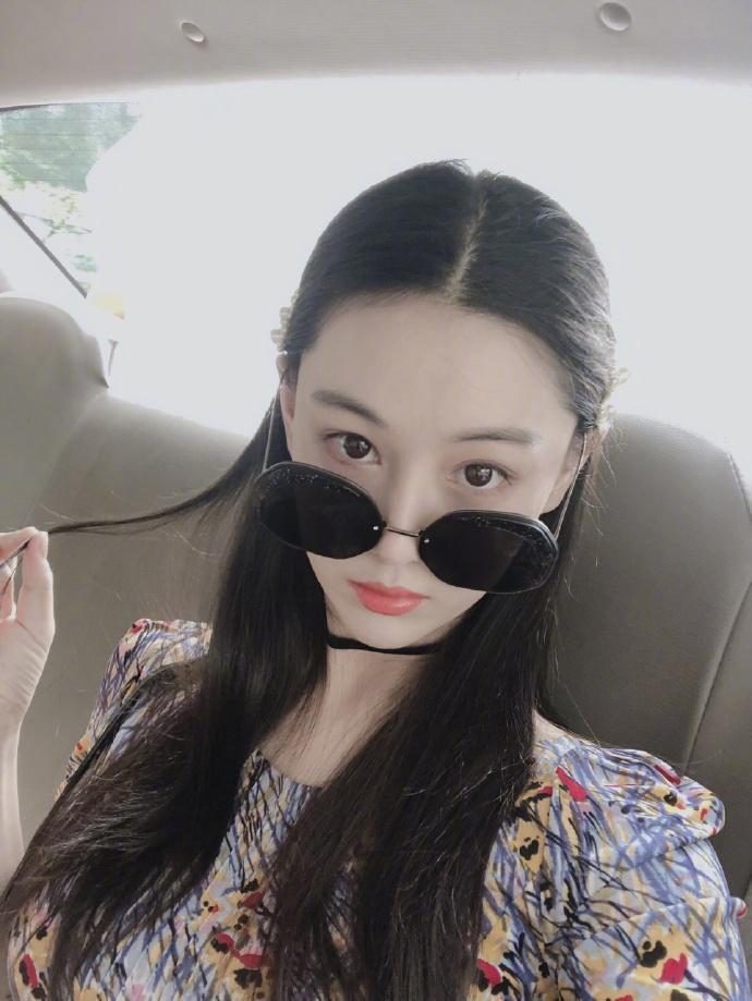Không riêng gì vóc dáng mà nhan sắc của Trương Hinh Dư cũng nhận vô vàn lời khen vì quá xinh đẹp