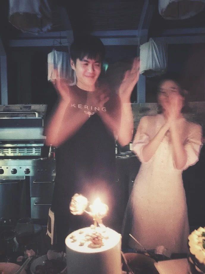 Chúc mừng sinh nhật ông xã Trương Nhược Quân, Đường Nghệ Hân lộ vòng hai lớn, đang mang thai? ảnh 4