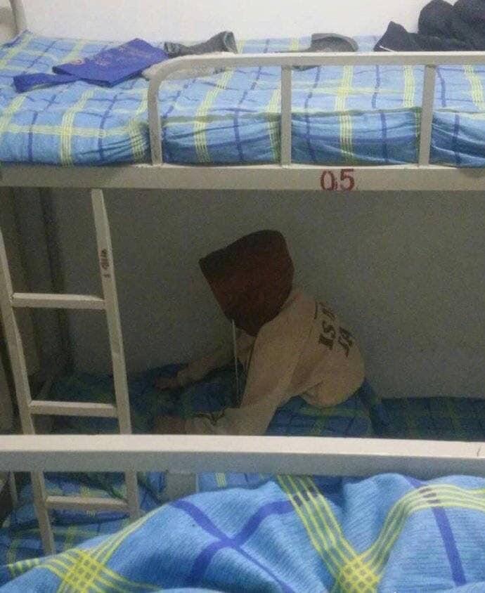 Đúng hôm ngủ thì lại giật mình dậy!Ảnh: Minh Triều Anh/ Group Trường người ta