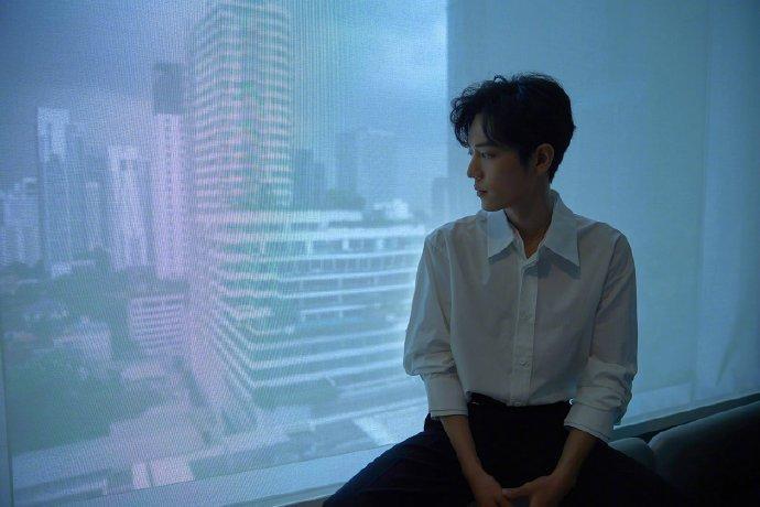 Fan-meeting Trần tình lệnh: Tiêu Chiến, Vương Nhất Bác cùng diện áo sơ-mi trắng chuẩn soái ca ảnh 17