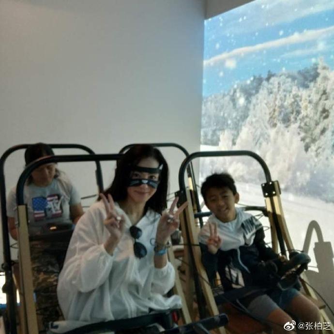 Trương Bá Chi chia sẻ hình ảnh ngày xuân tươi đẹp, mỉm cười trước ống kính ngọt ngào tựa tiên nữ ảnh 4