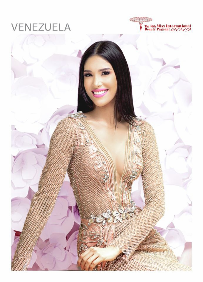 Đến từ cường quốc sắc đẹp trên thế giới, hoa hậu Venezuela luôn biết cách làm bản thân trở nên xinh đẹp và thu hút trong từng khung hình.