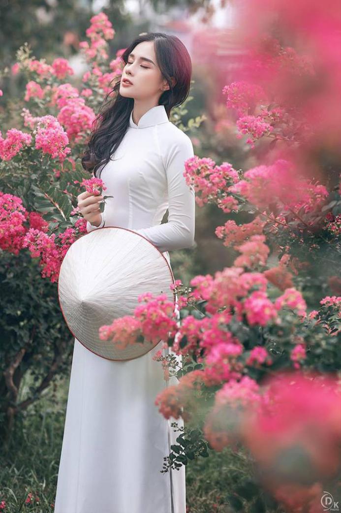 Chia sẻ về lí do tiếp tục tham gia thi Miss World Việt Nam 2019 lần này, Huyền Trang cho biết, cô không muốn tuổi trẻ bị trôi qua một cách mờ nhạt và muốn làm điều gì đó để bản thân không cảm thấy tiếc nuối. Huyền Trang cũng tiết lộ bạn trai Trọng Đại không ủng hộ việc cô đi thi nhưng Huyền Trang khẳng định cô vẫn quyết tâm theo đuổi đam mê của mình đến cùng.
