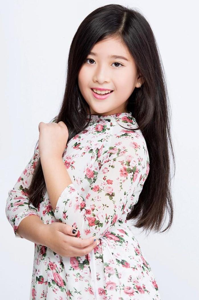 Ở tuổi 12, Bí Ngô sở hữu vẻ ngoài vô cùng xinh đẹp.
