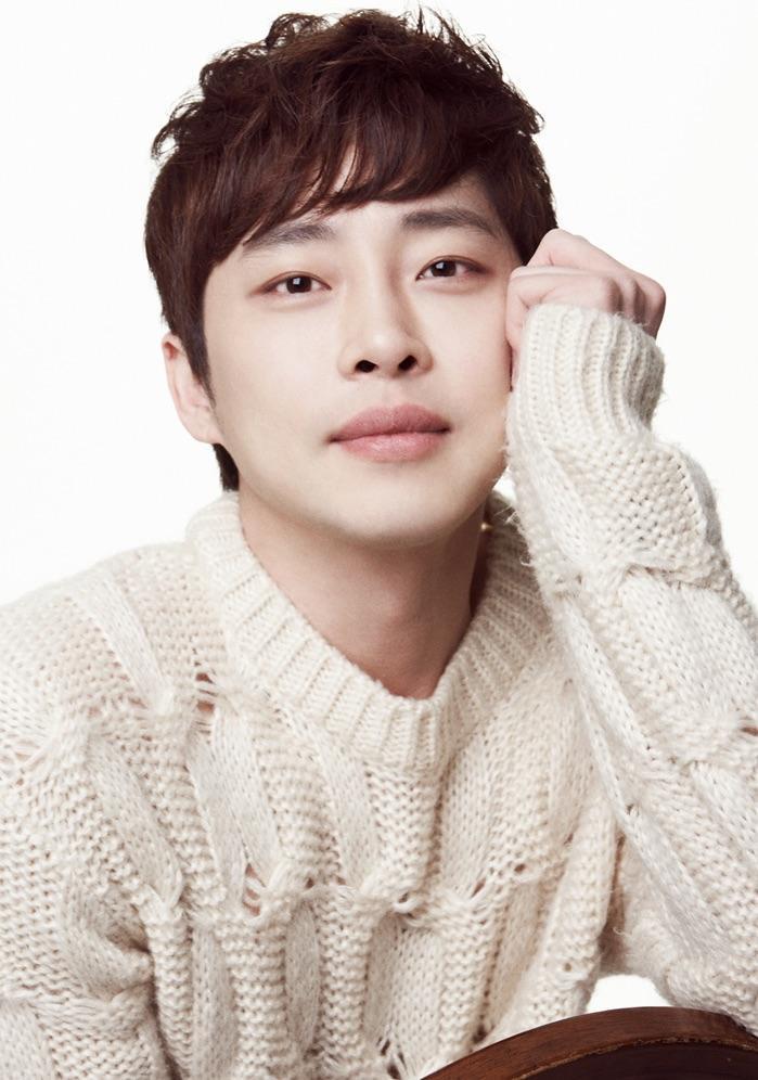 Diễn viên Kang Sung Wook đi tù 5 năm vì tội cưỡng bức ảnh 1