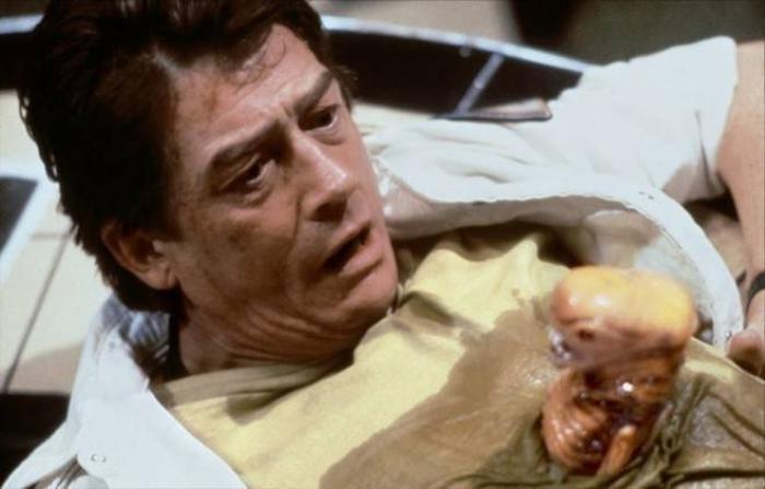 10 phim kinh dị lấy đề tài ký sinh trùng