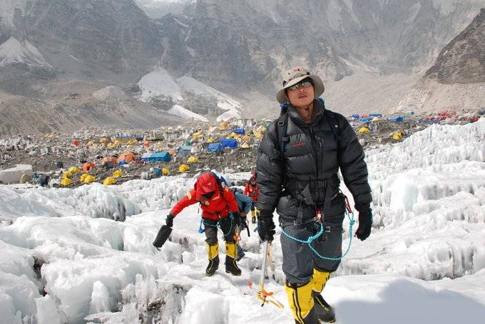 bPhan Thanh Nhien_Everest (3)