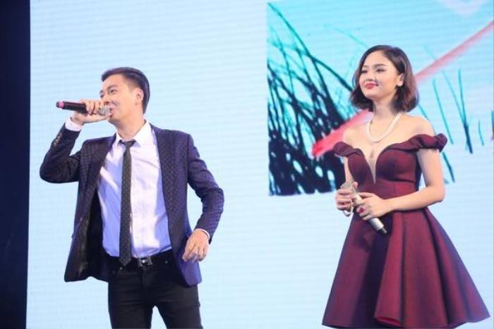 Miu Lê song ca Em là bà nội của anh cùng Ngô Kiến Huy. Trong chương trình, cả hai còn mang đến những phần biểu diễn solo thú vị.