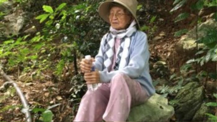 Cụ Đây đã mạo hiểm dấu tình trạng sức khỏe của mình để có thể tham gia hành trình xuyên Việt.