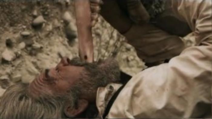 Một cảnh gây sốc khác trong phim.