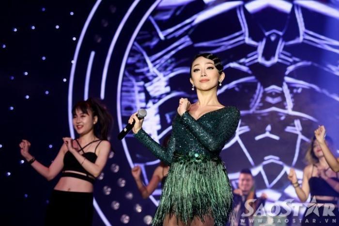 Thu Minh, Tóc Tiên khuấy động sân khấu với hit khủng