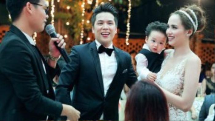Hãy cùng chúc cho Diễm Hương tìm được bến đỗ bình yên trong suốt cuộc đời mình bên gia đình nhỏ bé, đáng yêu này.