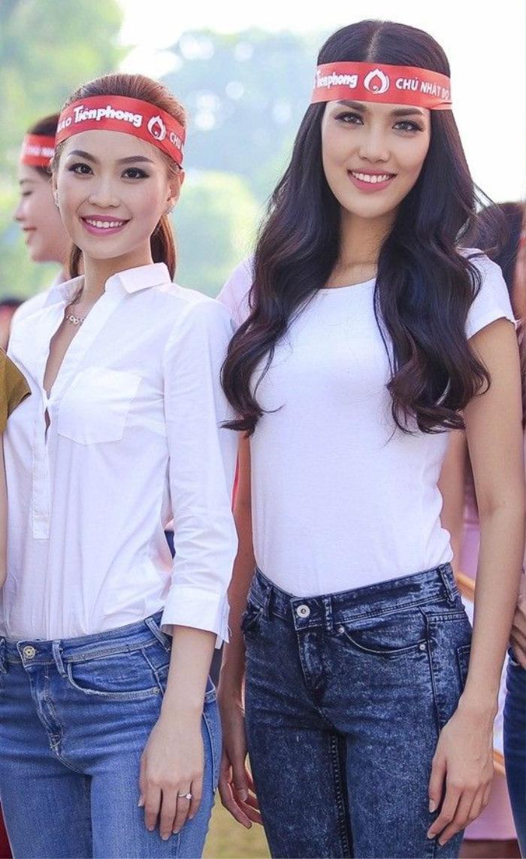 Á hậu Quốc tế Thúy Vân và top 11 Miss World Lan Khuê cũng vui vẻ đồng hành cùng hoạt động mang ý nghĩa thiết thực này.
