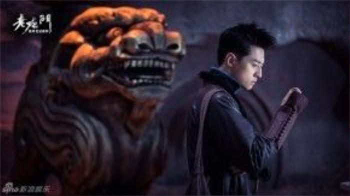 Hồ Vân Hào vài Trần Bì A Tứ, một người có thủ đoạn độc ác nhất cửu môn.