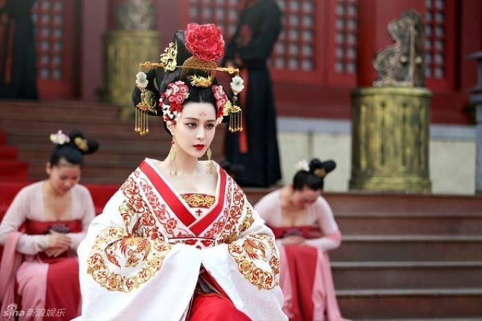 Phạm Băng Băng trong vai Võ Tắc Thiên.