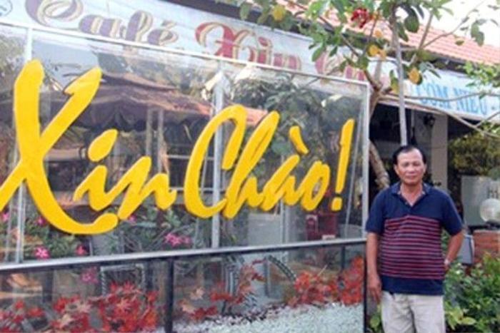 """Ông Nguyễn Văn Tấn, chủ quán """"Xin Chào"""" bị Công an huyện Bình Chánh khởi tố do chậm làm đăng ký kinh doanh."""