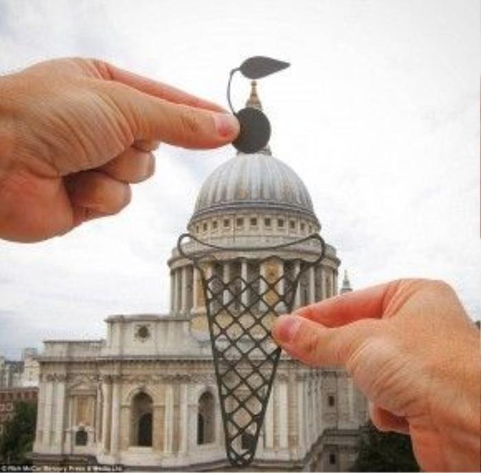 Nhà thờ St Paul's bị biến thành một chiếc kem ốc quế