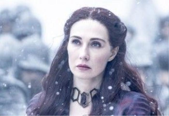Melisandre vốn có nhan sắc rực rỡ như một nữ hoàng.