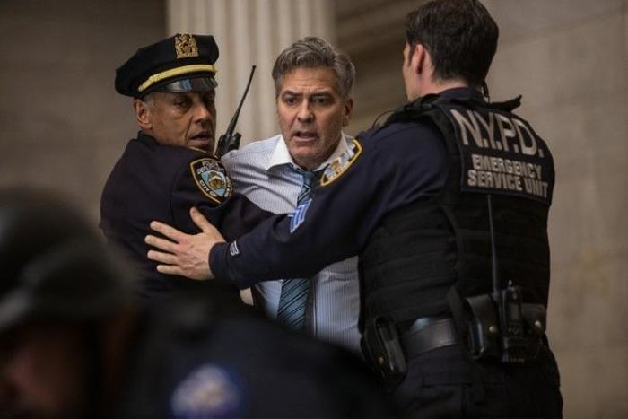Money Monster do Jodie Foster làm đạo diễn, có sự tham gia của hai ngôi sao hạng A là George Clooney cùng Julia Roberts. Ảnh: Sony