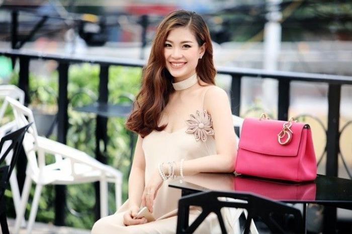 Cuộc sống của Diễm Trang rất bình yên và khiến nhiều người ngưỡng mộ, cô được ông xã yêu thương và chăm sóc hết mực. Bên cạnh đó, chồng cô cũng luôn ủng hộ vợ theo đuổi nghệ thuật. Ngoài việc chăm sóc gia đình và dưỡng thai.