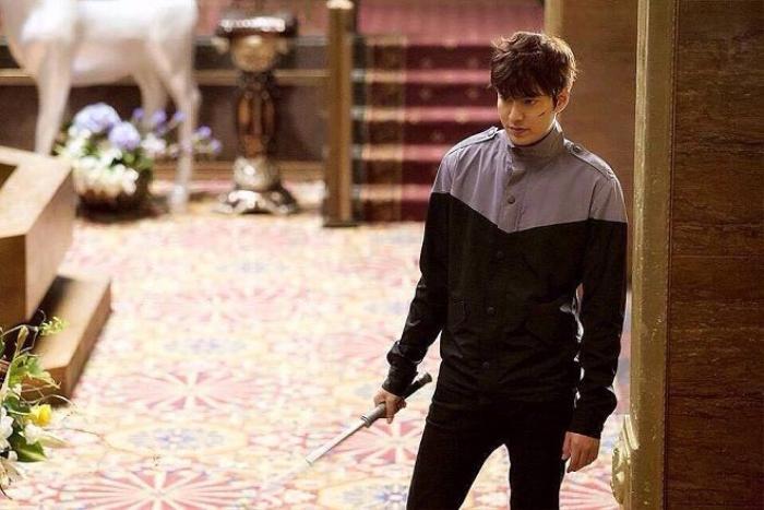 Lee Min Ho với tạo hình cực ngầu trong phim.