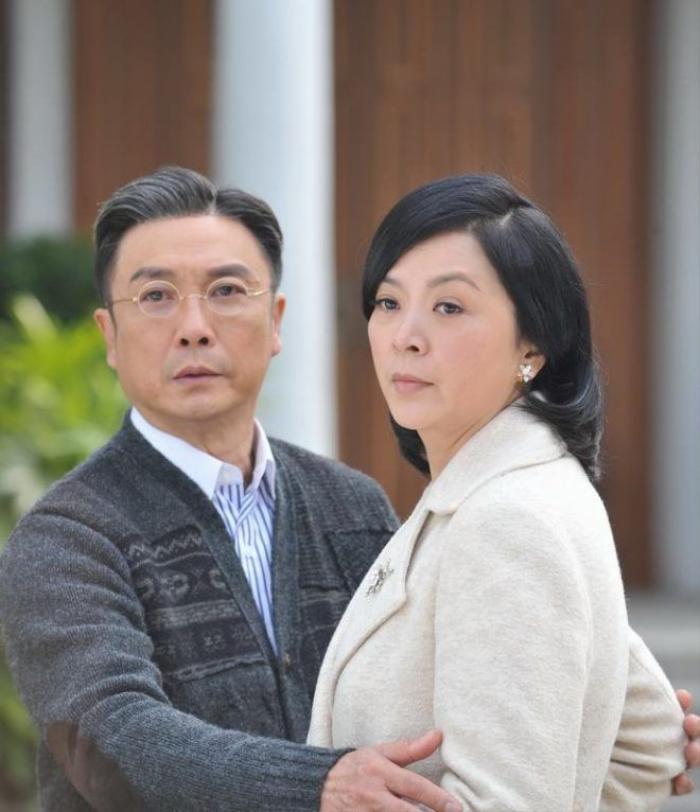 Vợ hai trong phim - Nhĩ Yên Cách Cách