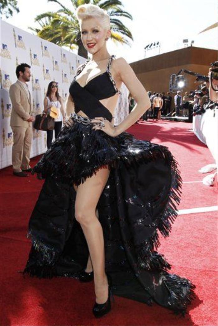 Christina Aguilera trên thảm đỏ MTV Movie Awards 2010