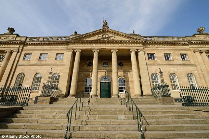 Tòa án York Crown (Anh) nơi xét xử vụ việc