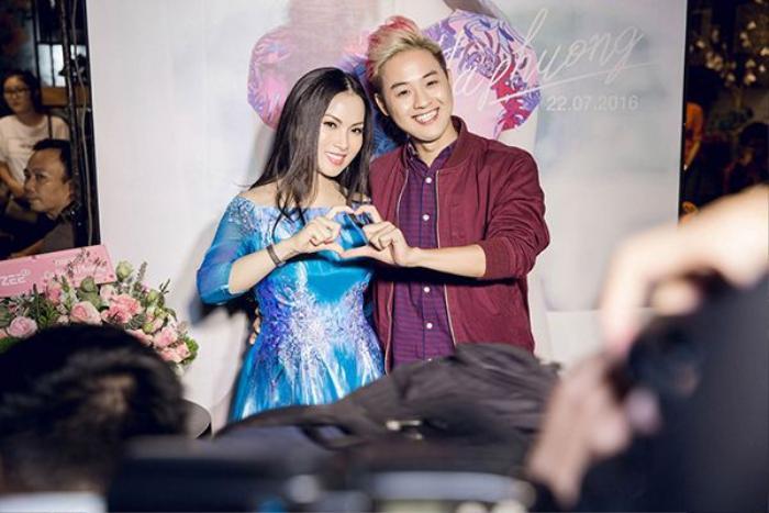 Thanh Duy bất ngờ có mặt trong buổi họp fan của Hà Phương.