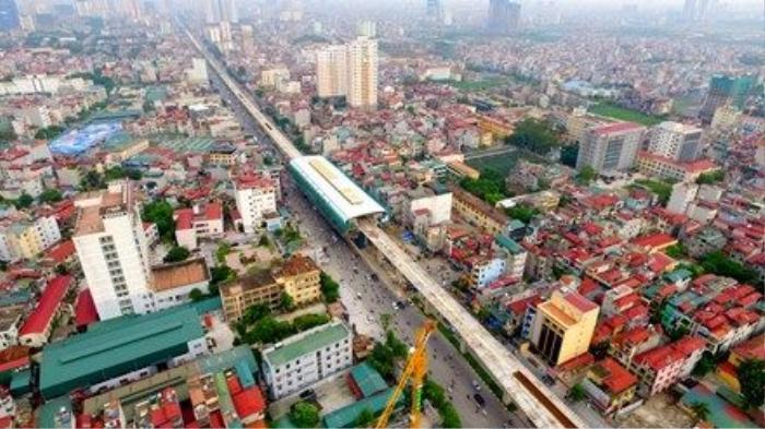 Dự án đường sắt trên cao Cát Linh - Hà Đông (Hà Nội) có tổng mức đầu tư là 891 triệu USD, tương đương 18.000 tỷ đồng, đi qua các quận Đống Đa, Thanh Xuân, Từ Liêm. Dự án gồm 13 km đường sắt đi trên cao, 1,7 km ra vào khu nhà ga với 12 ga trên cao, nhà điều hành.