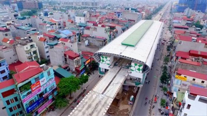 Đến thời điểm hiện tại nhà ga La Khê đã hoàn thành xong phần kết cấu chính bao gồm việc lắp mái vòm, ốp lát gạch, xây dựng các phòng chức năng và chỉ chờ lắp các thiết bị là có thể đi vào hoạt động.