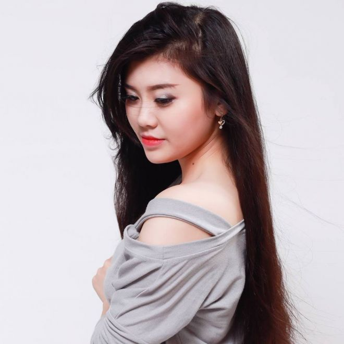 Bạch Huyền Trang là mẫu teen nổi tiếng trong cộng đồng mạng.