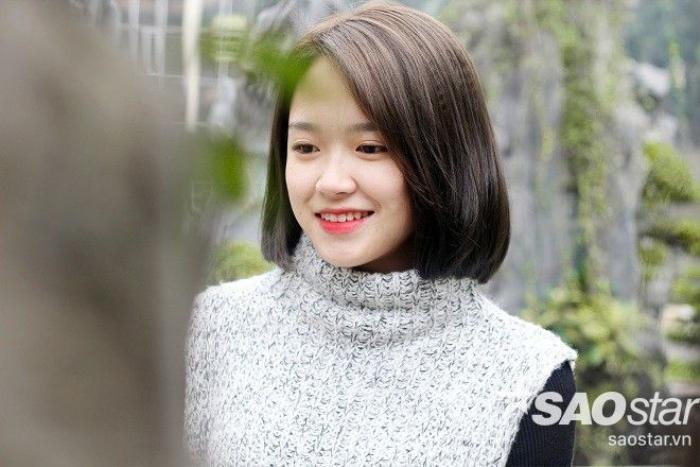 Hoàng Thị Minh Tâm hay còn gọi là Tâm Xíu, một cô nữ sinh 9x đáng yêu và tài năng của Học viện Báo chí và Tuyên truyền. Cô được cư dân mạng biết đến với điệu cười nháy mắt được truyền tay nhau đã thu hút hút gần 10 nghìn lượt like.